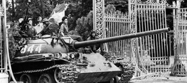suc-manh-xe-tang-t-54-trong-chien-dich-giai-phong-mien-nam